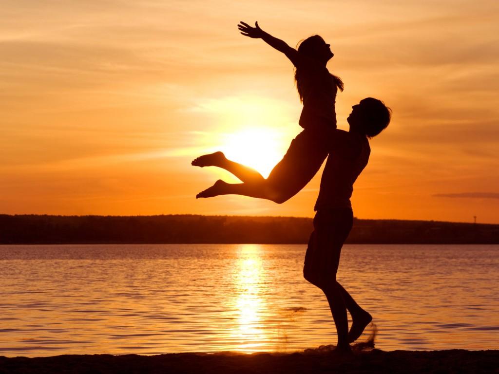 love-man-woman-silhouette-sun-sunset-sea-lake-beachother-768x1024