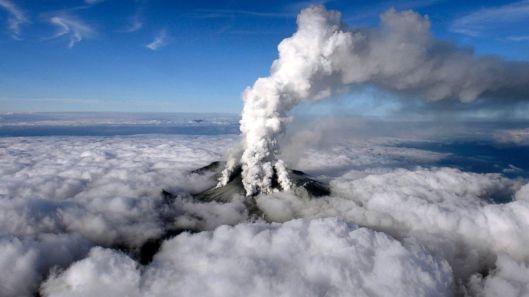 RT_japan_volcano_1_sk_140929_16x9_992